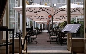 grote_parasols_heaters_steinberger_hotel_terras-2yb3usnioqieczgigmr9q8